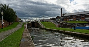 Ellesmere Port. Cheshire, Property guide and review